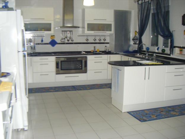 Appartement s 4 style am ricain richement meubl for Cuisine style americain
